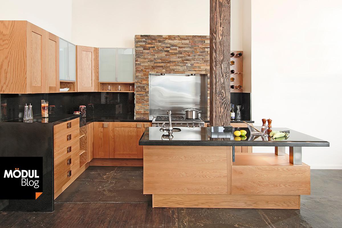 Muebles de cocina con piedra negra for Cocinas integrales de madera