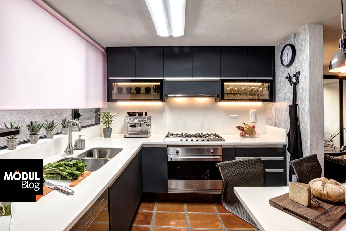 Diseo de cocina pequea cheap cocina blanca acometiendo for Como instalar una cocina integral pdf